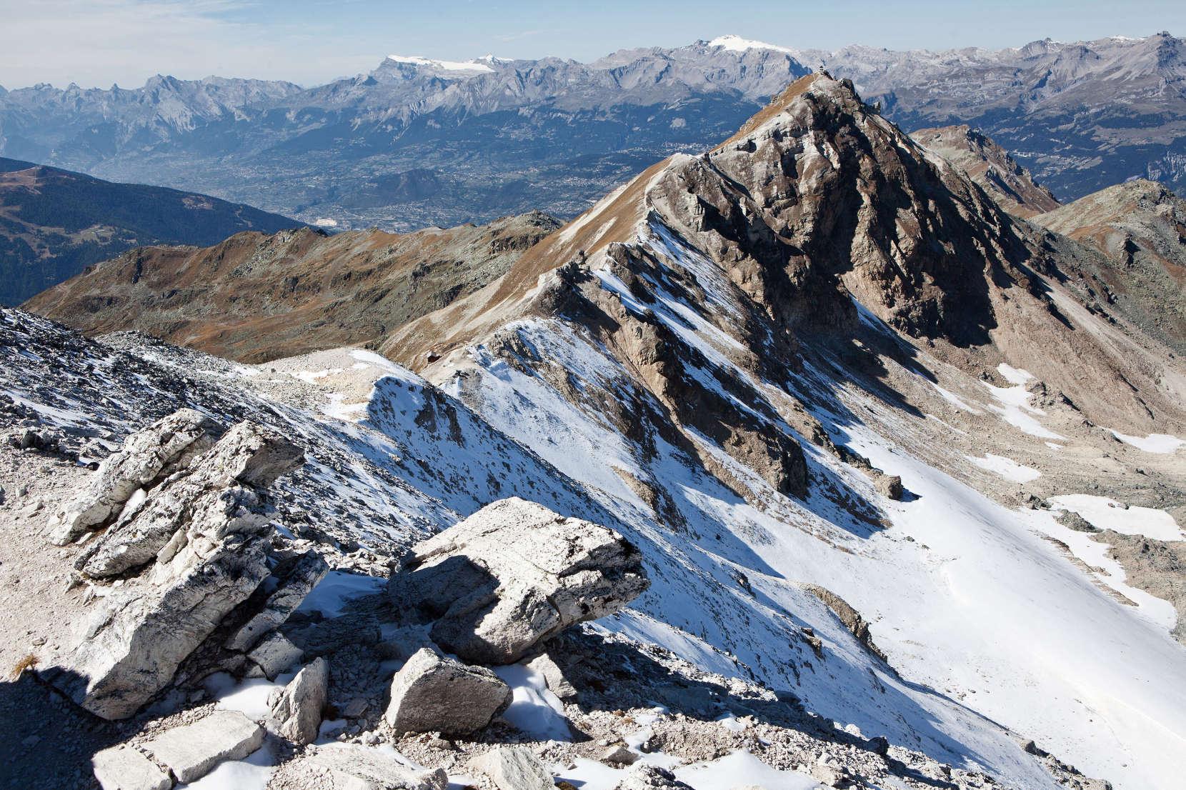 Bella Tola (3025 m) - Blick nach Nordwesten: Sommet des Diablerets; Oldenhorn; Arpelistock; Geltenhorn; Schnidehorn; Wildhorn; Rothorn; Illhorn; Schwarzhorn; Mont Bonvin
