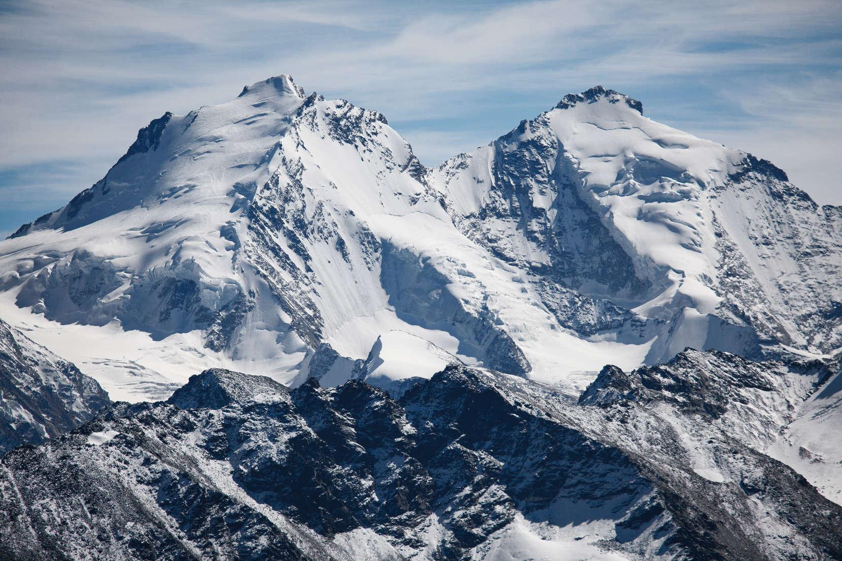 Mischabelgruppe: Dom (4545 m) und Täschhorn (4491 m)