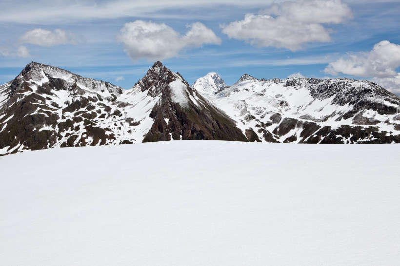 Alp Oberu - Galm - Horlini: Panorama im Aufstieg. Laucherspitzen, Faldum Rothorn, Bietschhorn, Hogleifa
