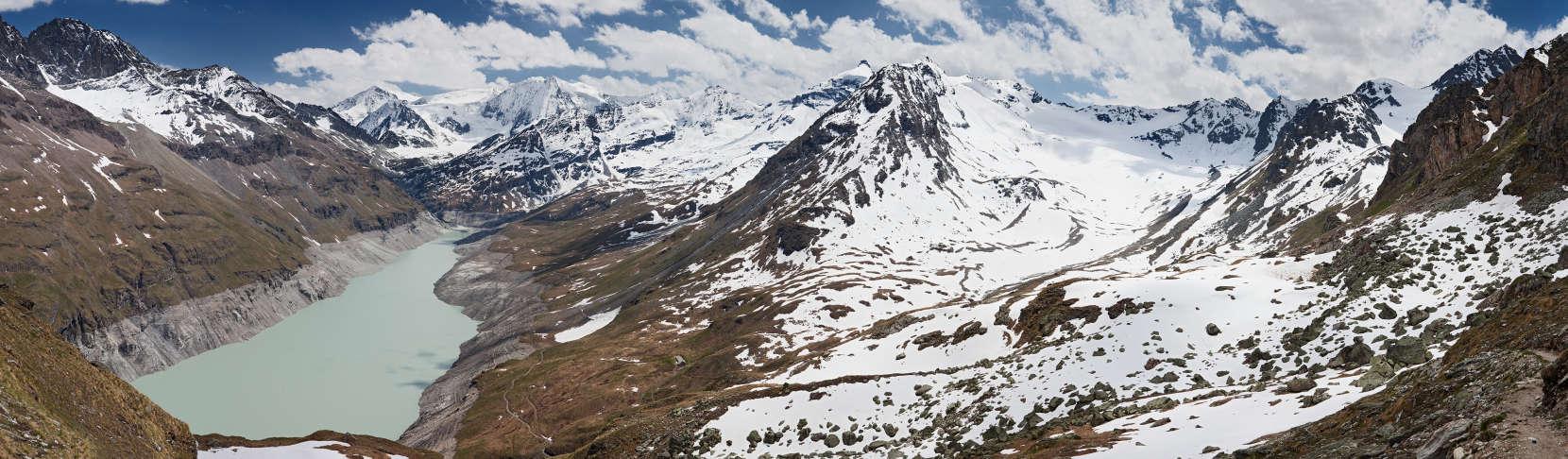 Lac des Dix; Aiguilles Rouges d´Arolla; La Cassorte; Pigne d´Arolla; Glacier de Cheilon; Mont Blanc de Cheilon; La Serpentine; La Ruinette; La Luette; Le Pleureur; Rochers du Bouc; Le Sale; Le Parrain; Rosablanche