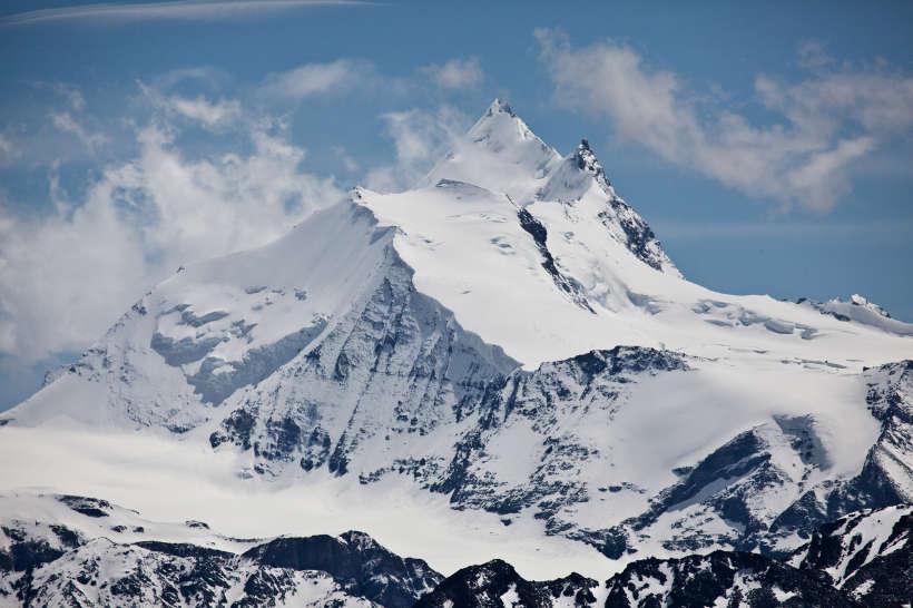 Weisshorn (4506 m) Nordseite mit Brunegggletscher, Punta Bunaby, Bishorn, Turtmanngletscher, Grand Gendarme und Glacier du Weisshorn.