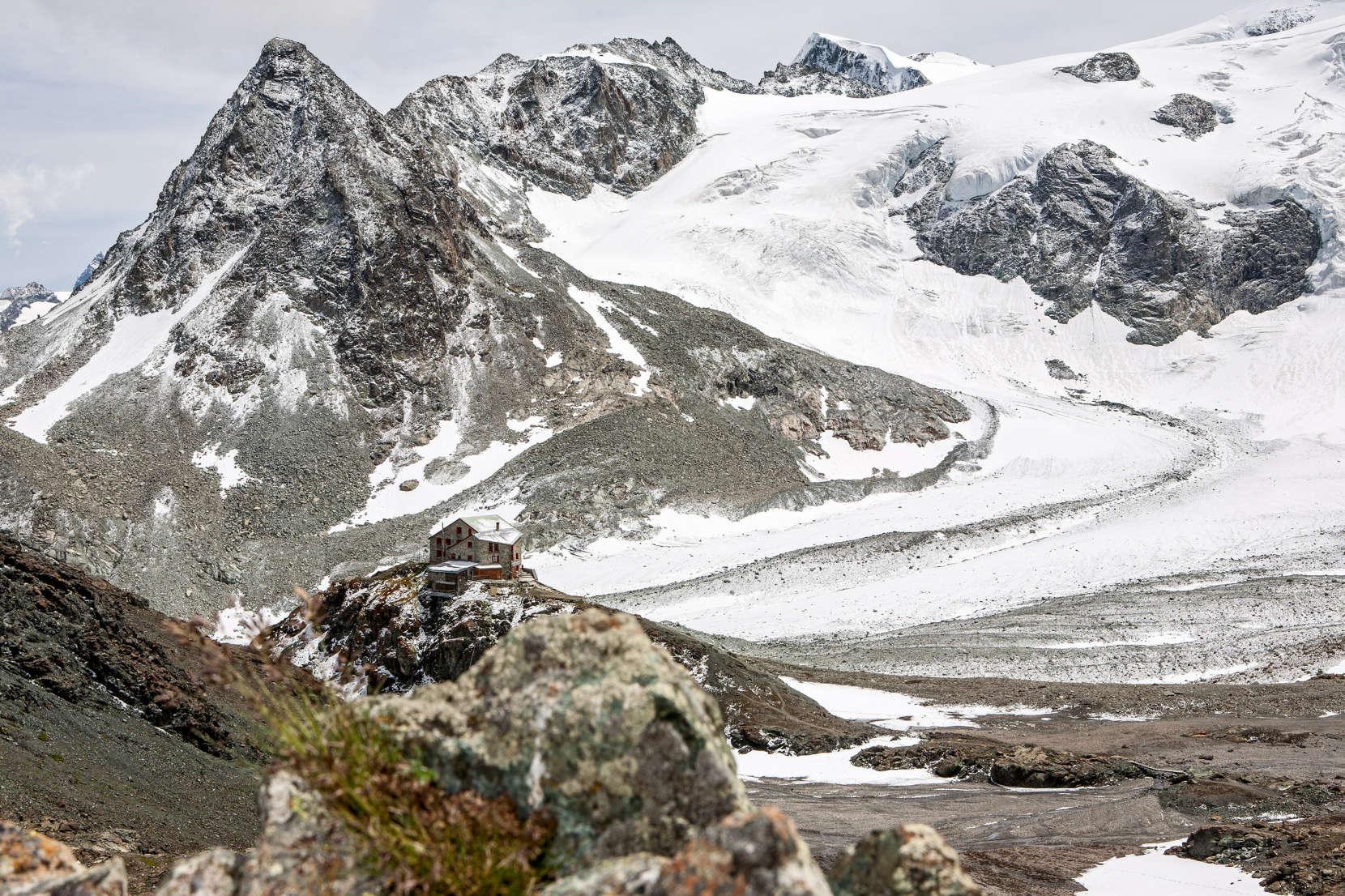 Cabane des Dix: Ptes. de Tsena Réfien, Pigne d´Arolla, Glacier de Cheilon