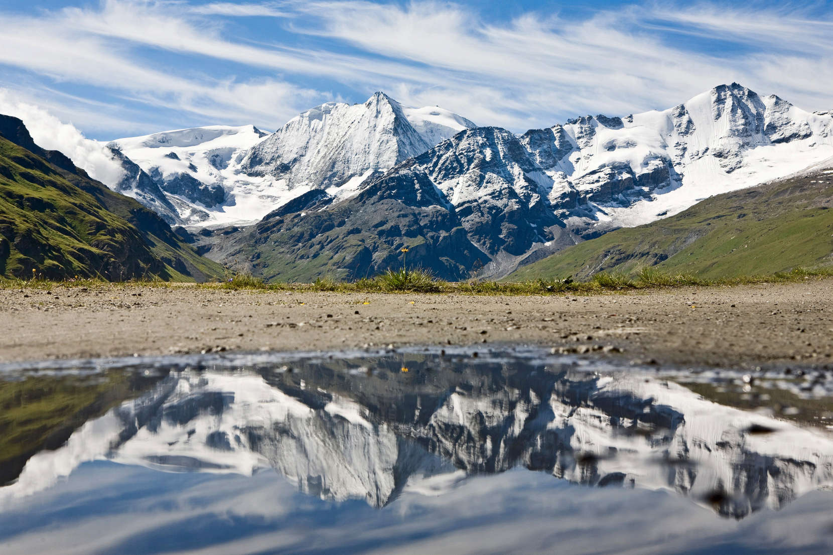 Val des Dix: Monts Rouges, Ptes. de Tsena Réfien, La Serpentine, Tete Noire, Mont Blanc de Cheilon, Sex Quinaudoz, La Luette