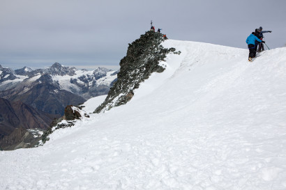 Gipfel Allalinhorn mit Grand Cornier, Zinalrothorn, Schalihorn.