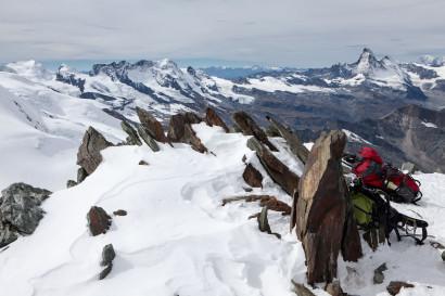 Panorama vom Allalinhorn: Breithorn, Klein Matterhorn, Matterhorn, Oberrothorn, Mont Blanc.