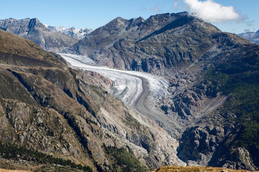 Belalp - Sparrhorn: Tiefblick auf Aletschgletscher, Eggishorn, Bettmerhorn, Station Bettmerhorn