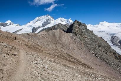 Aufstieg zum Oberrothorn: Allalinhorn, Rimpfischhorn, Strahlhorn, Fluehorn, Adlerhorn, Spitzi Flue, Neue Weisstorspitze, Findelgletscher