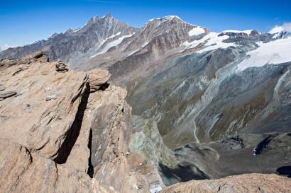 Blick nach Norden: Oberrothorn, Hohberghorn, Dürrenhorn, Dom, Täschhorn, Alphubel, Feechopf, Allalinhorn
