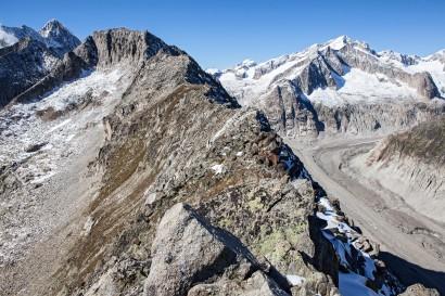 Sparrhorn 3021 m - Blick nach Norden: Nesthorn, Hülsenhorn, Breithorn, Torberg, Südliches Wysshorn, Schinhorn, Distelberg, Mittaghorn, Sattelhorn