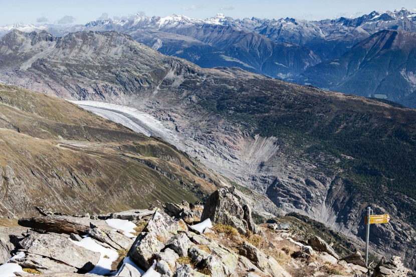Sparrhorn 3021 m - Blick nach Osten: Eggishorn, Blinnenhorn/Corno cieco, Ofenhorn / Punta d'Arbola, Gross Schinhorn, Schwarzhorn / Punta Marani, Wallis, Schweiz, Valais, Switzerland