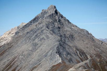 Die Sasseneire (3253 m) und der Col de Torrent vom Pointe du Tsaté (3078 m)