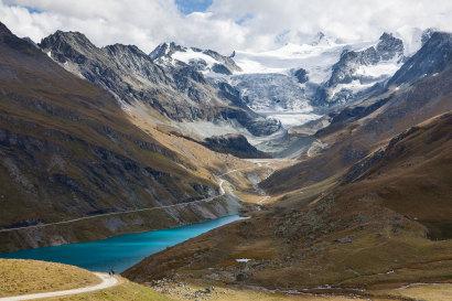 Val de Moiry; Lac de Moiry; Glacier de Moiry; Pigne de la Lé 3396m; Grand Cornier 3969m; Dent Blanche 4358m; Pointes de Mourti 3563m; Pointe de Moiry 3303m