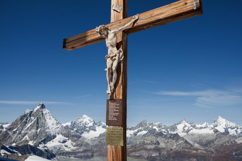 Panorama vom Klein Matterhorn: Matterhorn (4478 m), Pointe de Zinal, Grand Cornier, Mont Durand, Ober Gabelhorn, Wellenkuppe, Zinalrothorn, Schalihorn und Weisshorn