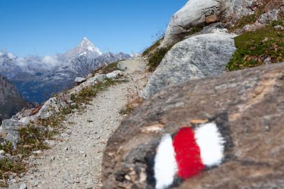 anstieg-zur-monte-leone-huette-mit-bietschhorn.jpg
