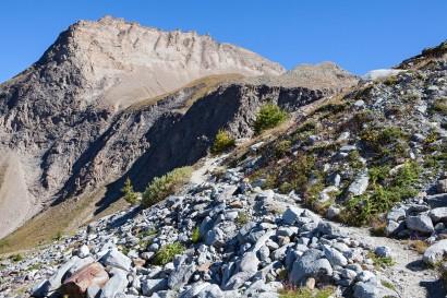 anstieg-zur-monte-leone-huette-mit-maederhorn.jpg