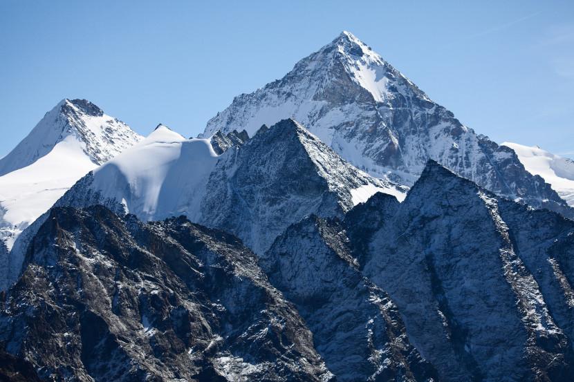 Dent Blanche (4357 m) mit Bouquetins, Grand Cornier, Pointe de Moiry, Pointes de Mourti, Tsa de la Ano