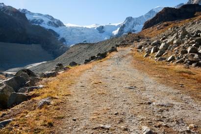wanderweg-mit-glacier-de-moiry.jpg