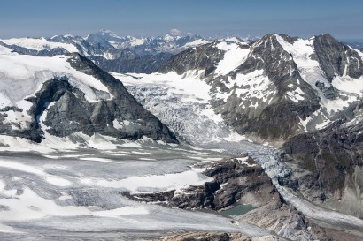 24-panorama-nach-west-mit-brunegggletscher.jpg