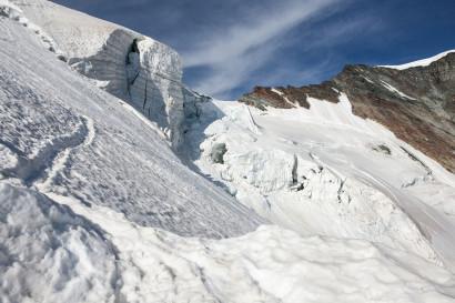 08-Feejoch-mit-Gletscherspalten.jpg