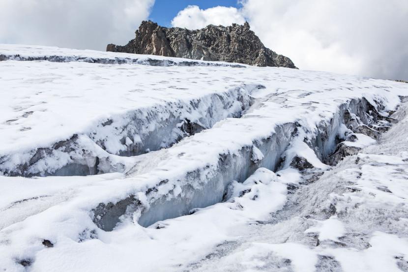 14_Glacier-de-Prafleuri-Spalten-01.jpg