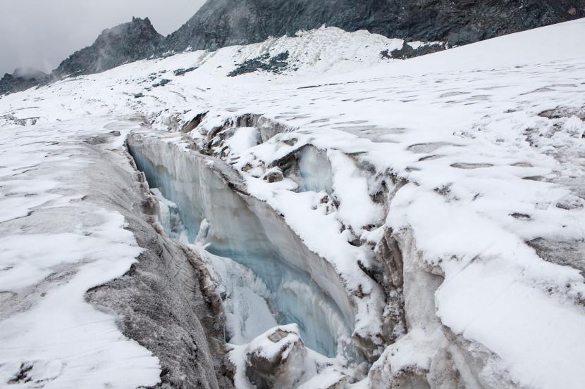 33_Spalten-Glacier-de-Prafleuri-01.jpg