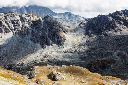 Col des Roux ( 2804 m) und Cabane de Prafleuri (links unten)