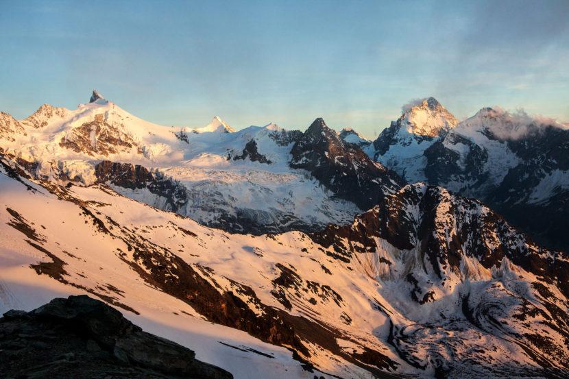 15-Sonnenuntergang-an-der-Cabane-de-Tracuit.jpg