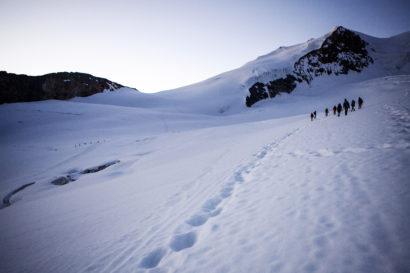 18-Anstieg-zur-Nordwestflanke-des-Bishorn-Turtmanngletscher.jpg