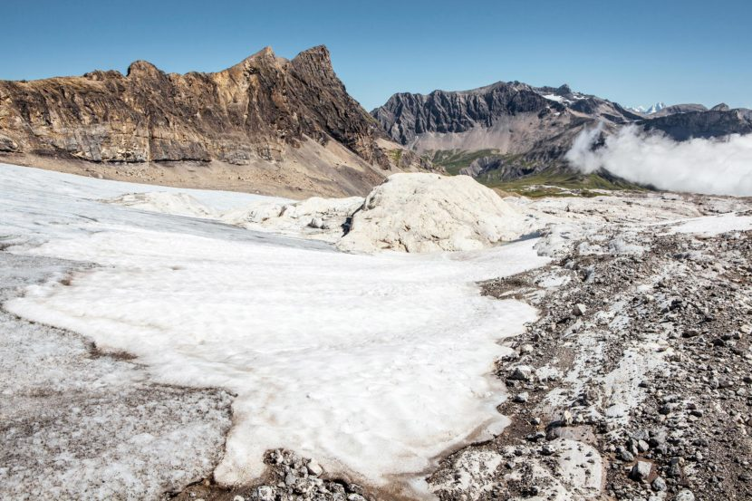 12-Glacier-de-Tsanfleuron-mit-Sanetschhorn-und-Arpelistock.jpg