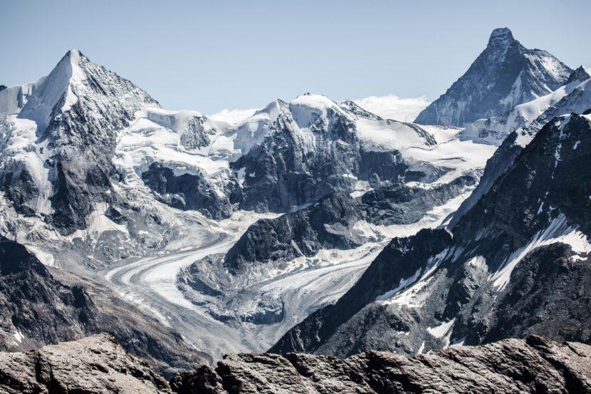 51-Ober-Gabelhorn-Mont-Durand-Matterhorn-und-Glacier-de-Zinal.jpg