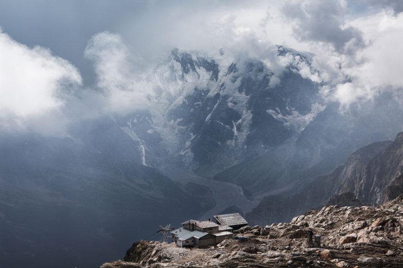 14-Monte-Rosa-Ostwand-mit-Rifugio-Gaspare-Oberto.jpg