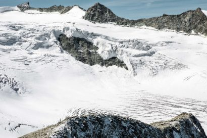 35-Glacier-de-Moiry-darüber-Pointe-de-Bricola-Dent-des-Rosses-und-Pointes-de-Mourti.jpg