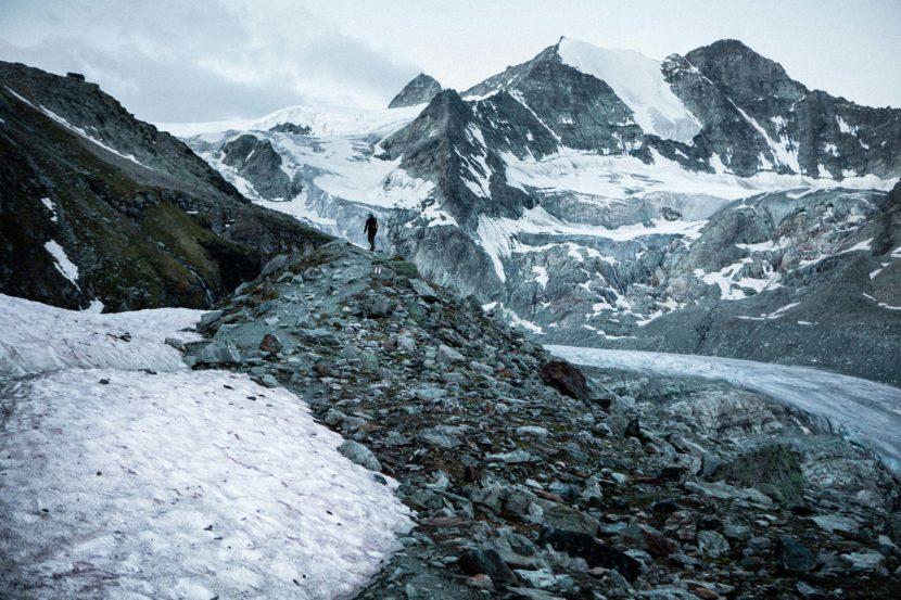 03-Anstieg-zur-Cabane-de-Moiry-mit-Pointes-de-Mourti.jpg