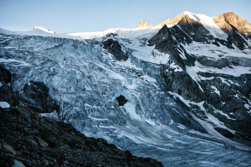 07-Glacier-de-Moiry-und-Pointes-de-Mourti-im-Sonnenaufgang.jpg