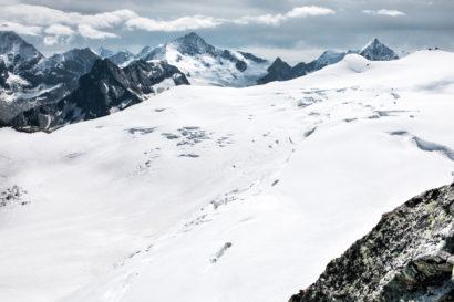 40-Oberer-Glacier-de-Moiry-Besso_-Zinalrothorn-und-Ober-Gabelhorn.jpg