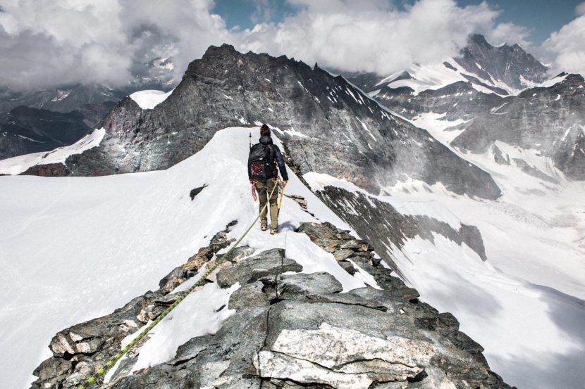 34-Gipfelgrat-Strahlhorn.jpg